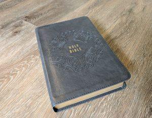 2016 KJV Creedal Bible